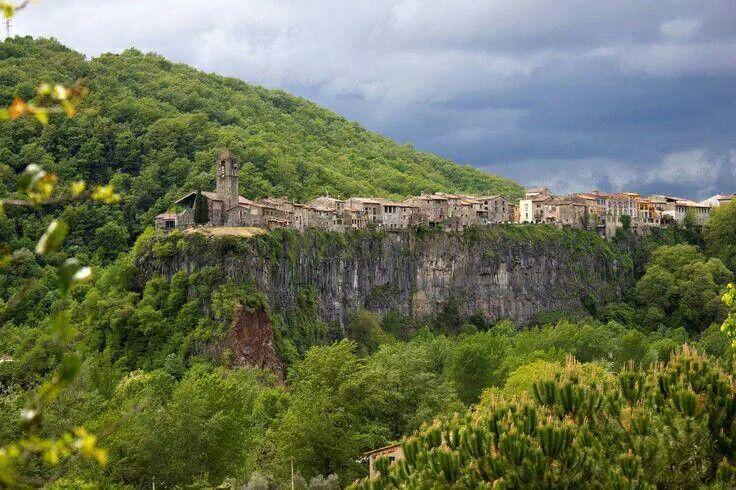 Fairy tale villages - Castellfollit De La Roca