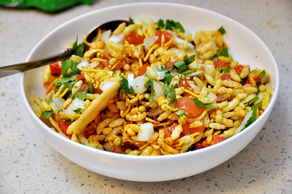 Must try foods in India - Bhel Puri